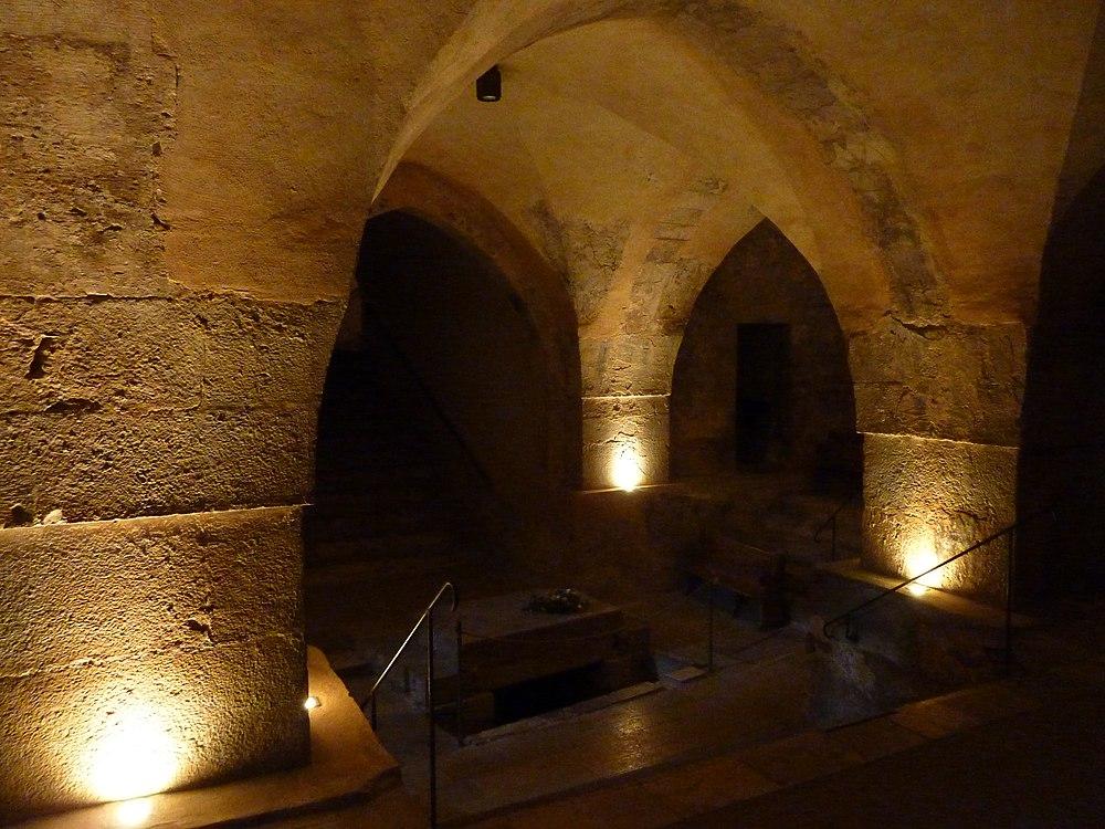 Crusader Crypt - panoramio (1)