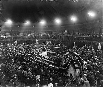 Dáil Éireann (Irish Republic) - Image: Dáil Éireann meeting in the Mansion House, August, 1921 (17068860698)