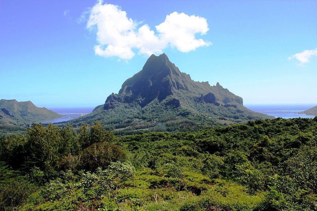 File:DSC00050 French Océania Mooréa Island Mount Rotui and ...