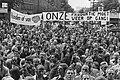 Demonstratie van werkwilligen voor het Rotterdamse Stadhuis op de Coolsingel met, Bestanddeelnr 930-4620.jpg