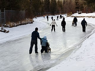 Ice Skating in Calgary By Mehran (Own work) [GFDL (https://www.gnu.org/copyleft/fdl.html) or CC-BY-SA-3.0 (https://creativecommons.org/licenses/by-sa/3.0/)], via Wikimedia Commons