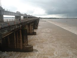 Dowleswaram Barrage near Rajahmundry on River Godavari.jpg