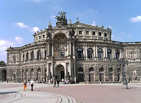 Dresden-Semperoper.04.JPG