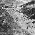 Duitse bunkeringang met spoorrails, Bestanddeelnr 900-6215.jpg