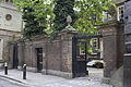 EH1359191 Screen Wall and Gateways to Forecourt of St Paul's Deanery.jpg