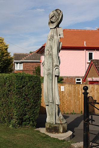 East Ayton - Tree Sculpture on the A170