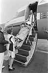 Eerste vlucht wintersportslachtoffers op Schiphol gewond in het vliegtuig, Bestanddeelnr 930-6045.jpg