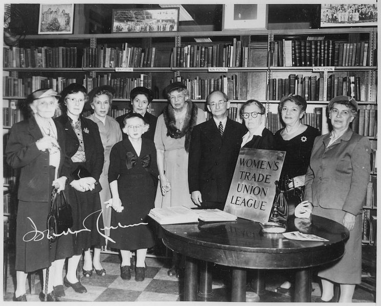 File:Eleanor Roosevelt, Isadore Lubin, and The Women's Trade Union League in New York City - NARA - 195445.jpg
