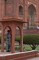 Entrance to Badshahi Mosque1.jpg