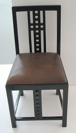 Splat (furniture) - Ernest Taylor chair of 1905 with rectilinear design elements