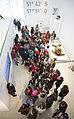 Escuelas de todo el pais visitan el Museo Malvinas (20322352835).jpg