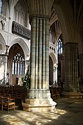 Exeter Cathedral (St. Peter) (15379306151).jpg