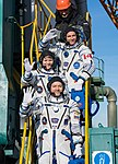 Expedition 58 Crew Wave At the Pad (NHQ201812030001).jpg