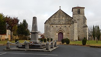 Aumagne - War memorial and Saint-Peter church.
