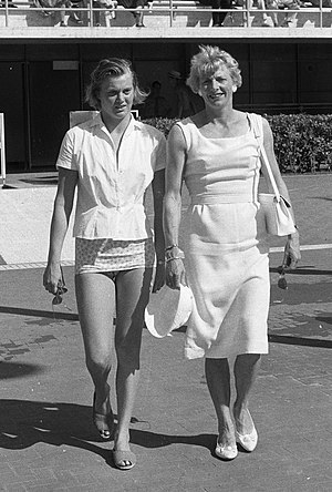 Fanny Blankers-Koen - Blankers-Koen (right) with Jopie Troost at the 1960 Olympics