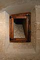 Finestra cega del soterrani de la llotja de València.JPG