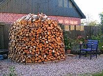 Firewood-pile Brændestabel.jpg