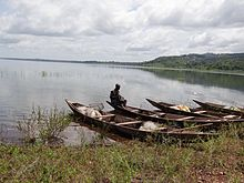 Fisher on Lake Kossou near Kousso in Côte d'Ivoire (14).JPG