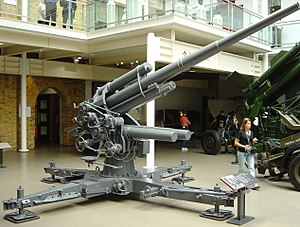 8.8 cm Flak 18/36/37/41 - 8.8 cm Flak 18 barrel on a Flak 36 cruciform at the Imperial War Museum in London