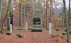 Forstdenkmal Dresdner Heide.jpg