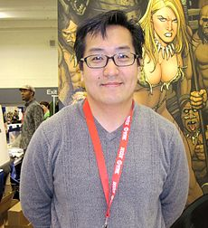 Frank Cho at WonderCon 2010 2.JPG