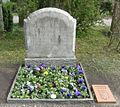 Friedhof Wilmersdorf - Grab Otto Hauser.jpg