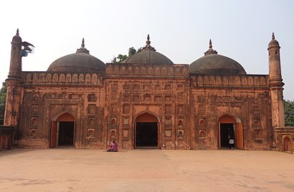 Front elevation of taha-khana.jpg