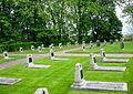 Gedenkstätte Seelower Höhen Grabfeld mit 66 Soldaten.JPG