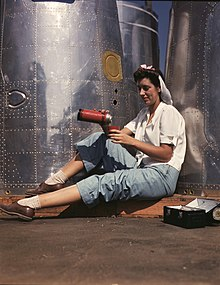 Girl worker at lunch also absorbing California sunshine, Douglas Aircraft Company, Long Beach, Calif. LOC 2179923542.jpg