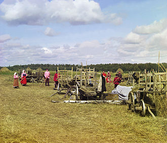 Peasants in Russia (photograph taken by Sergey Prokudin-Gorsky in 1909) Gorskii 04422u.jpg