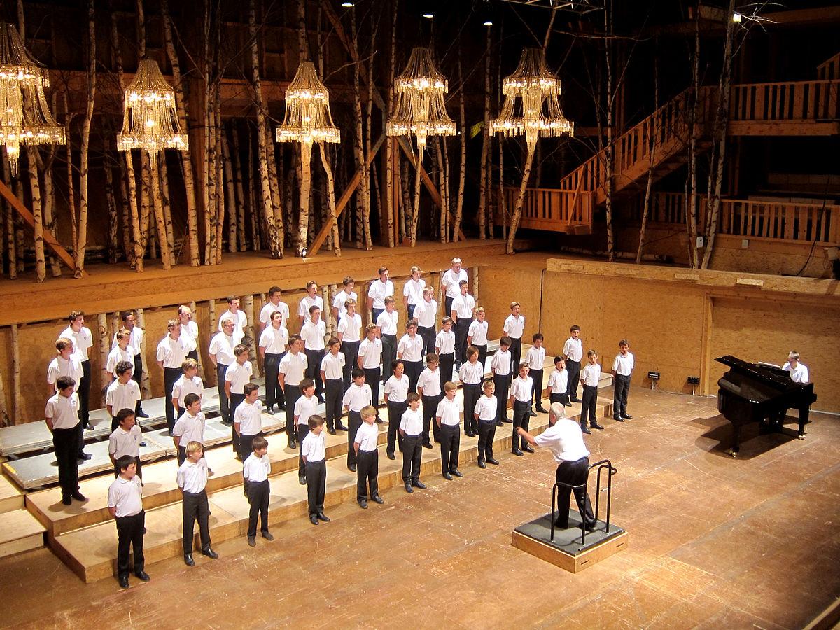 Petits Chanteurs de Sainte-Croix boys choir
