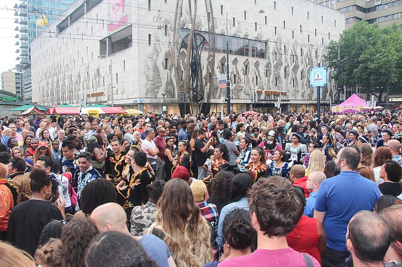 Grote drukte zomercarnaval Rotterdam.jpg