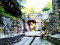 Hõbeallika koobas Oru pargis 01.jpg