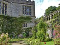 Haddon Hall, Bakewell, UK - panoramio (11).jpg