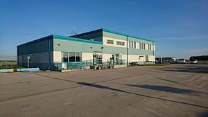 Hay River/Merlyn Carter Airport - Airport terminal