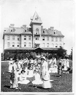 Hellmuth Ladies College