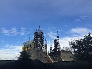 The Wizarding World of Harry Potter (Universal Studios Hollywood) - Construction of Hogwarts Castle, where Harry Potter and the Forbidden Journey at Universal Studios Hollywood is now housed (March 2015)