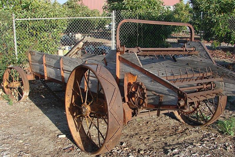File:Honey Wagon (Manure Spreader) (7288680216).jpg