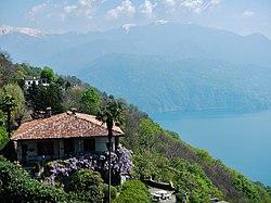 Houses at Viggiona Verbano-Cusio-Ossola - panoramio.jpg