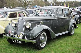 Humber Hawk first reg Essex Nov 1946 1701cc.JPG