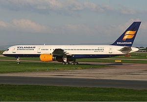 Icelandair Boeing 757 Spijkers.jpg