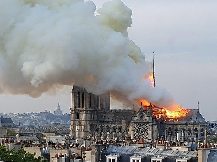 Incendie de Notre Dame à Paris. vue depuis le ministère de la recherche. 7.jpg