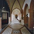 Interieur overzicht gang met betegelde vloer - Hoeven - 20321310 - RCE.jpg