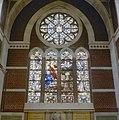 Interieur transept, gebrandschilderde glas in loodramen - Dongen - 20336992 - RCE.jpg