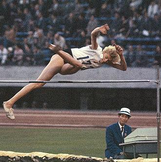 Iolanda Balaș - Balaș at the 1964 Summer Olympics in Tokyo