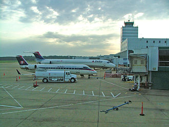 Jackson–Evers International Airport - View from the West Concourse looking east, July 2005
