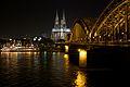 Kölner Dom bei Nacht 001.jpg