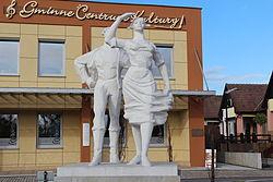 Karolinka and Karliczek statue in Gogolin 2014 P02
