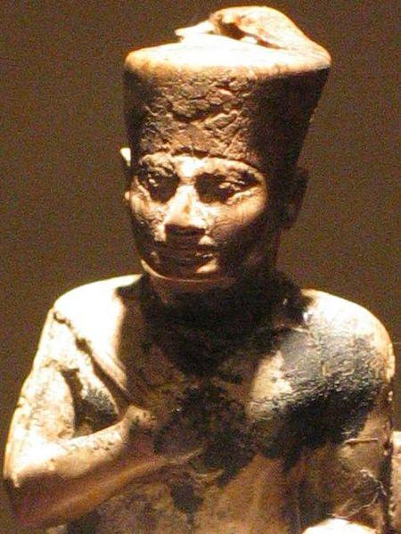 Archivo:Khufu2.jpg