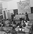 Kinderen in een klas, Bestanddeelnr 901-4054.jpg